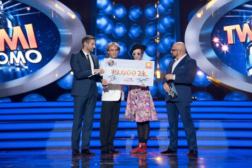 """Chciałabym ten czek przekazać Fundacji """"Dom"""" w Łodzi. Dziękuję ci Jurek bardzo - mówiła wzruszona Aleksandra Szwed. /Polsat"""