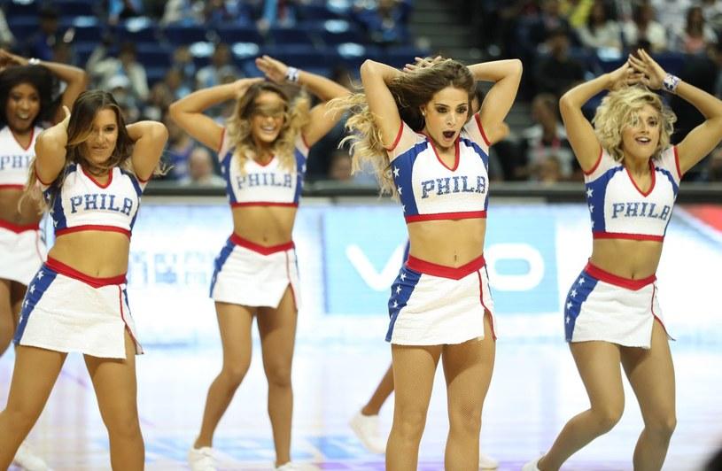 Cheerleaderki ekipy Philadelphia 76ers /AFP