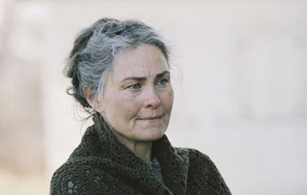 "Cherry Jones w filmie ""Osada"" /"