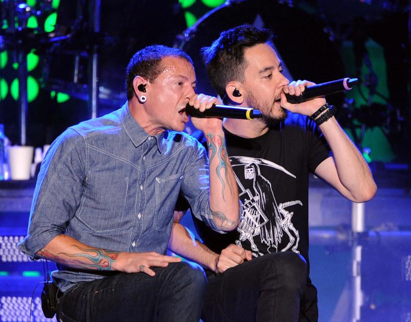 Chester Bennington i Mike Shinoda na scenie z Linkin Park - lipiec 2014 r. /Kevin Winter /Getty Images