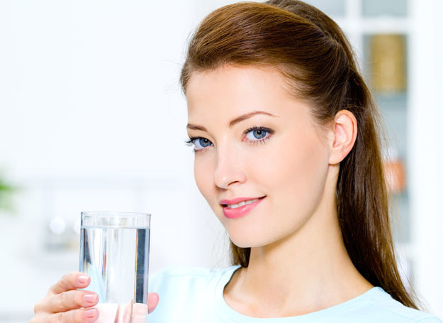 Chesz cieszyć się smakiem czystej wody? Filtruj ją! /materiały promocyjne