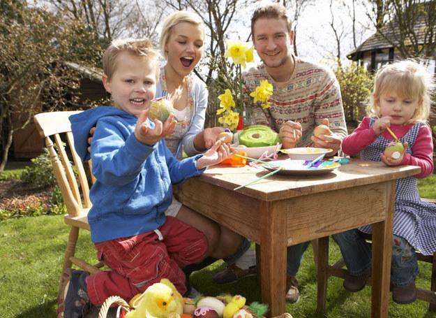 Chętnie spędziłabym Wielkanoc z mężem i dziećmi /123RF/PICSEL