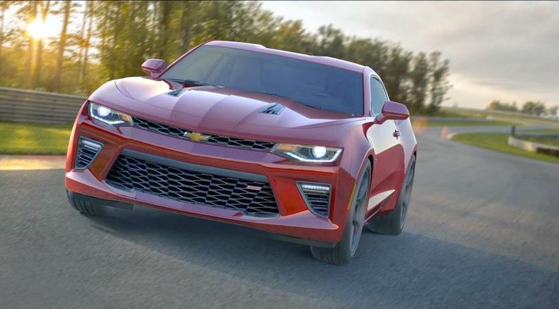 Chevrolet Camaro /