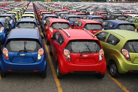 Chevrolety czekaja na wysyłkę /AFP