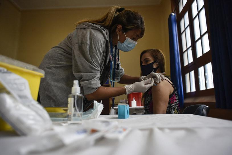 Chile jest obecnie najszybciej szczepiącym się krajem przeciwko COVID-19 /Claudio Santana /Getty Images