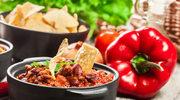 Chili con carne z fasolą i kolendrą