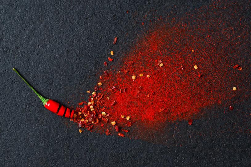 Chili zawiera kapsaicynę /©123RF/PICSEL