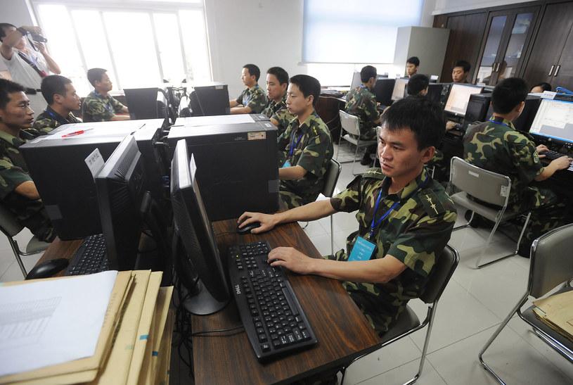 Chińczycy będą mogli publikować w internecie filmy wideo wyłącznie podpisując się imieniem i nazwiskiem /AFP