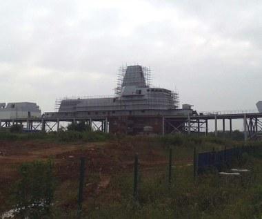 Chińczycy budują krążownik rakietowy