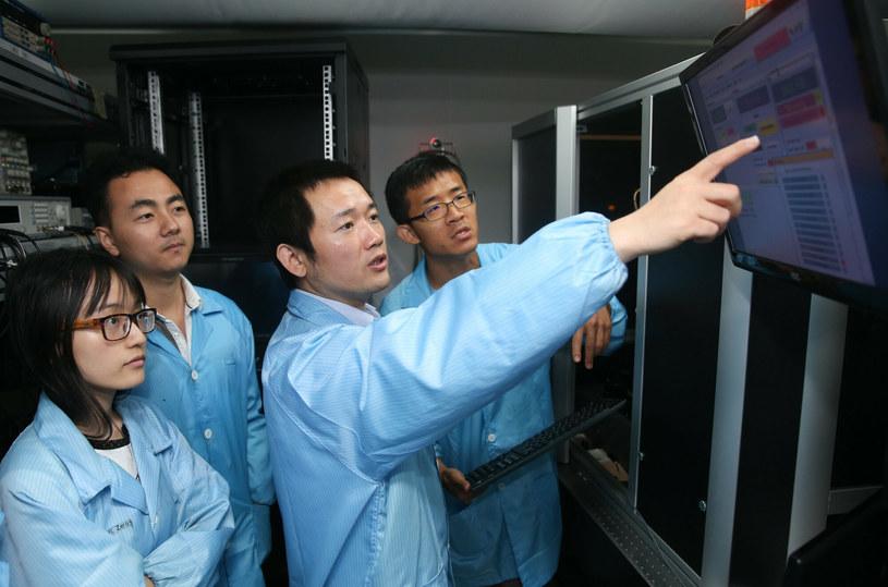 Chińscy badacze zajmujący się komunikacją kwantową /Ding Ting Xinhua / eyevine /East News