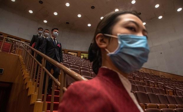 """""""Chińska batwoman"""" z Wuhanu ostrzega: SARS-2 to tylko wierzchołek góry lodowej"""
