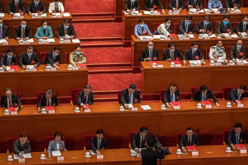 Chiński parlament formalnie zatwierdził decyzję /ROMAN PILIPEY /PAP/EPA