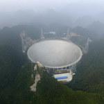 Chiński teleskop FAST rozpocznie poszukiwanie życia pozaziemskiego