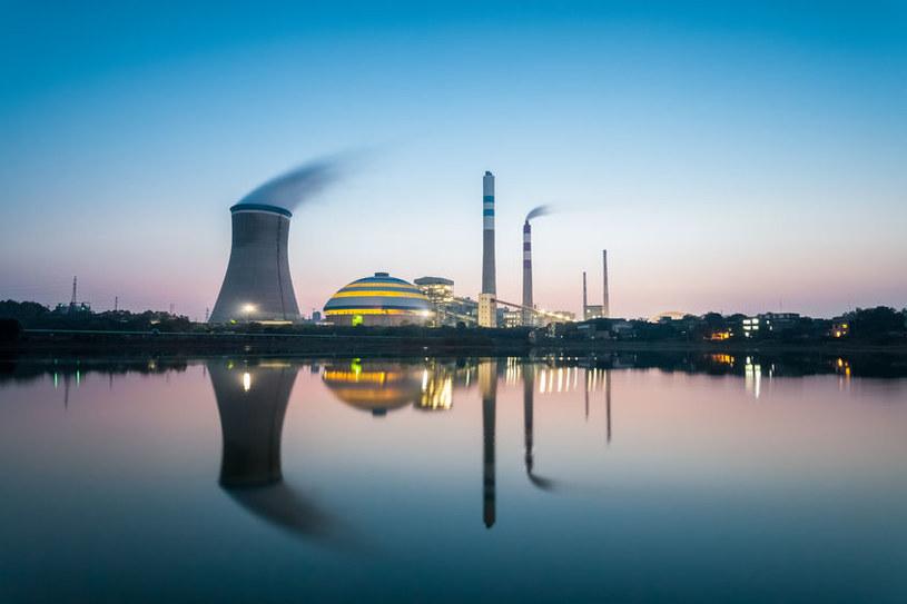 Chińskie elektrownie węglowe w Pekinie będą stopniowo wyłączane /123RF/PICSEL
