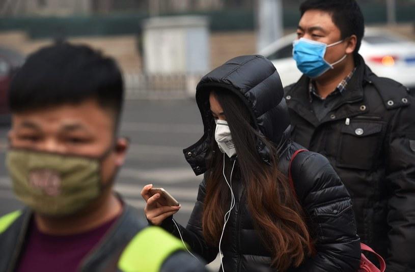 Chiny: Czerwony alert z powodu zanieczyszczenia powietrza /AFP