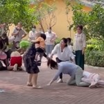Chiny: Kłótnia w zoo przerodziła się totalną bójkę. Na oczach dzieci i zwierząt