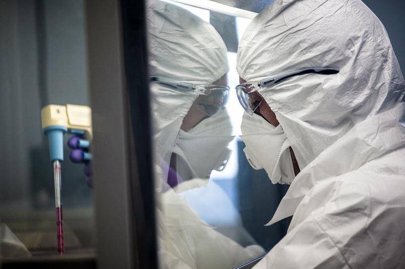 Chiny: Ponad 1700 pracowników służby zdrowia zarażonych koronawirusem /JEFF PACHOUD / AFP /AFP