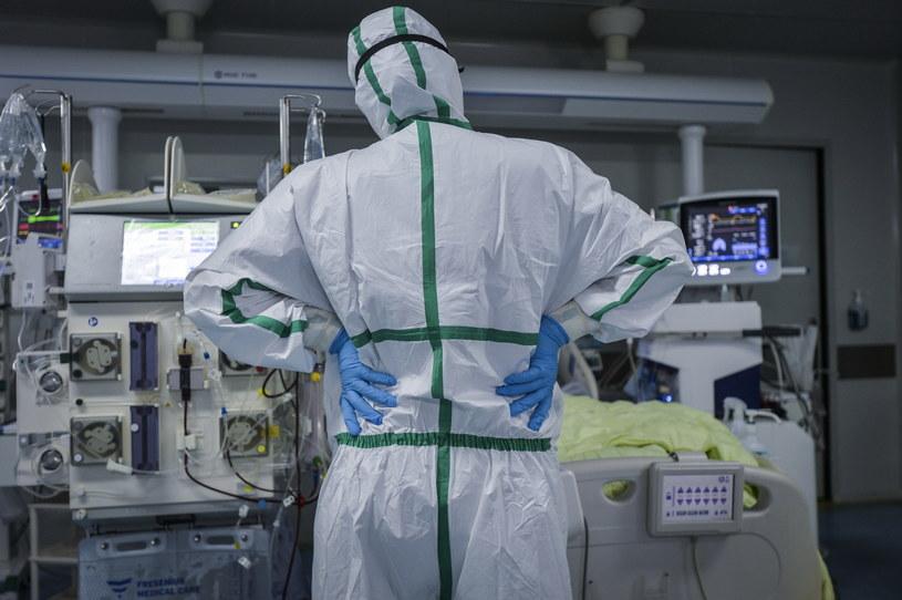 Chiny: Ponad 400 nowych przypadków koronawirusa /SHI ZHI  /PAP/EPA