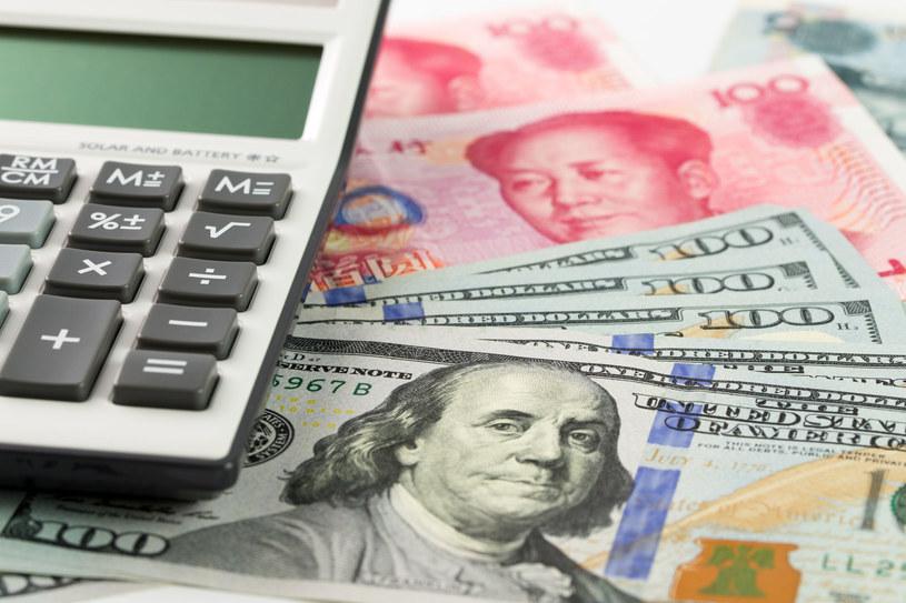 Chiny realizowały wzmożone zakupy ropy w maju i czerwcu ze względu na korzystne ceny surowca. /123RF/PICSEL