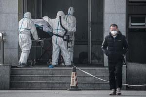 Chiny: Rośnie liczba ofiar koronawirusa