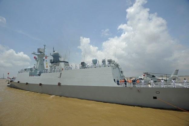 Chiny szybko rozbudowują swoją flotę /AFP