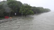 Chiny: Tajfun In-Fa zalał przybrzeżne miasto Ningbo