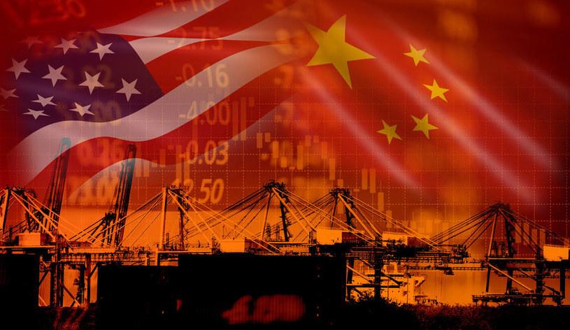 Chiny urosną do rangi światowego hegemona? /123RF/PICSEL