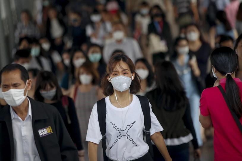 Chiny walczą z epidemią /DIEGO AZUBEL /PAP/EPA