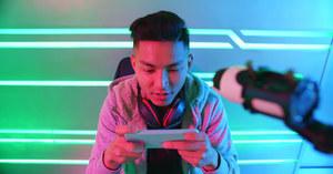 Chiny: Władze próbują po raz kolejny ograniczyć czas spędzany przez nieletnich w internecie