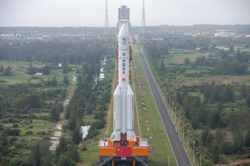Chiny wystrzelą statek w kierunku Księżyca /AFP