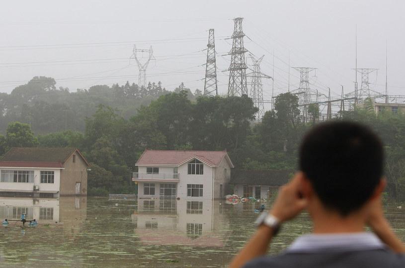 Chiny zmagają się z żywiołem /AFP