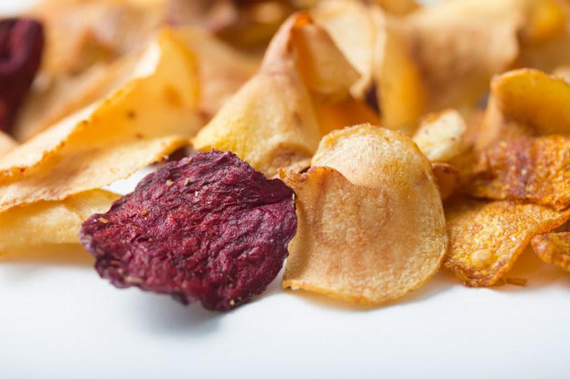Chipsy z warzyw /©123RF/PICSEL
