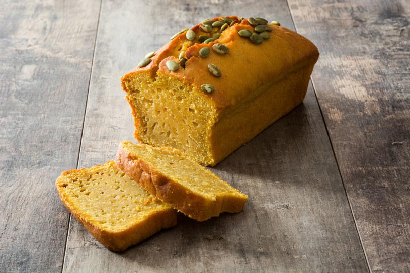 Chleb dyniowy nie tylko pięknie wygląda, ale też smakuje wyśmienicie /123RF/PICSEL