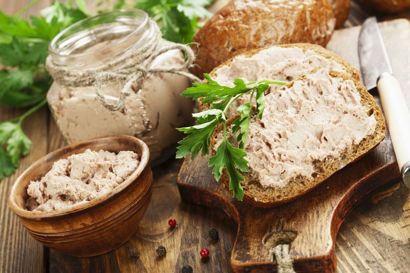 Chleb z pasztetem /123RF/PICSEL