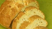 Chleb ziołowy z serem cheddar