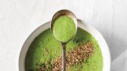 Chłodząca zupa z ogórków i awokado z miętą i dukką