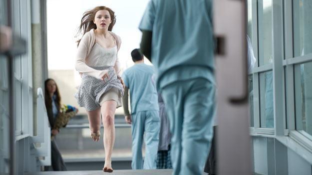 """Chloë Grace Moretz w filmie """"Zostań, jeśli kochasz"""" /materiały dystrybutora"""