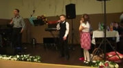 Chłopak rapuje Paktofonikę na weselu. Hit sieci