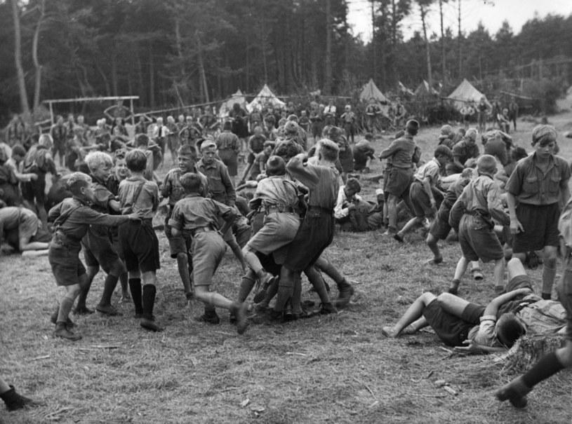 Chłopcy z Jungvolk na letnim obozie. Rok 1933 /Getty Images