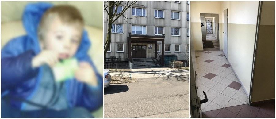 Chłopczyk został porzucony w klatce jednego z bloków w Katowicach /RMF FM