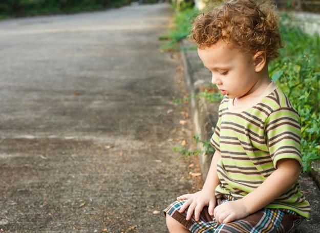 Chłopiec chodził sam po ulicach Świdnicy / Zdjęcie ilustracyjne /123RF/PICSEL