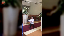 Chłopiec skradł całe show podczas ślubu. Przezabawne