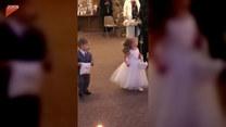 Chłopiec skradł show na ślubie wujka. Nie uwierzycie!