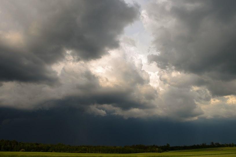 Chmury burzowe, zdj. ilustracyjne /Adam Staśkiewicz /East News
