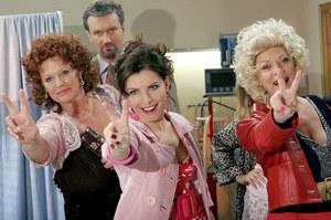 """Choć twierdzi, że nie pojawiłaby się na planie sitcomu, zagrała przecież ciocię Frani Maj w """"Niani"""" (na zdj. pierwsza z lewej) /    /AKPA"""