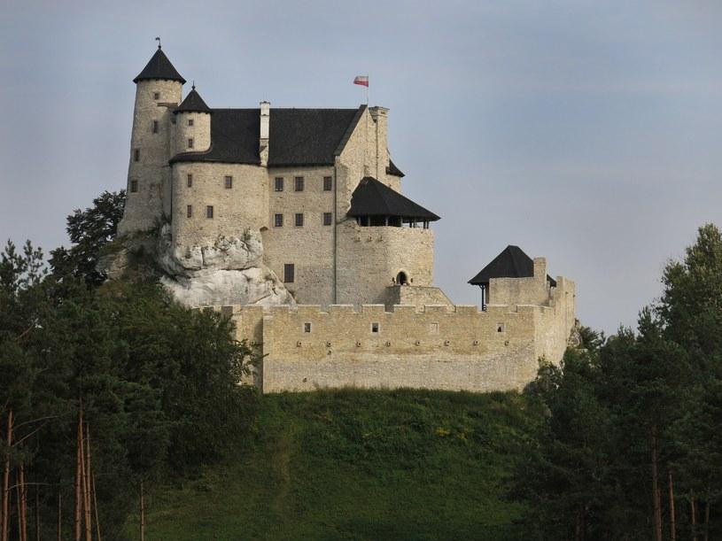 Choć zamek w Bobolicach to ruina, to zachowana w świetnym stanie i regularnie remontowana. Widok stąd robi wrażenie. /East News