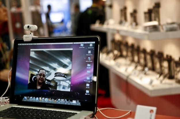Chociaż obecne w mediach, filmach i świadomości użytkowników, komputery Apple to tylko procent rynku /AFP