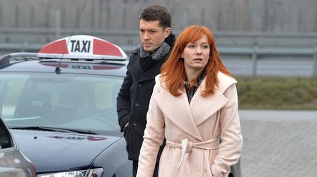 Chodakowski, wciąż zraniony odrzuceniem, od razu zapowie byłej ukochanej, że ich związek nie ma już najmniejszych szans /www.mjakmilosc.tvp.pl/