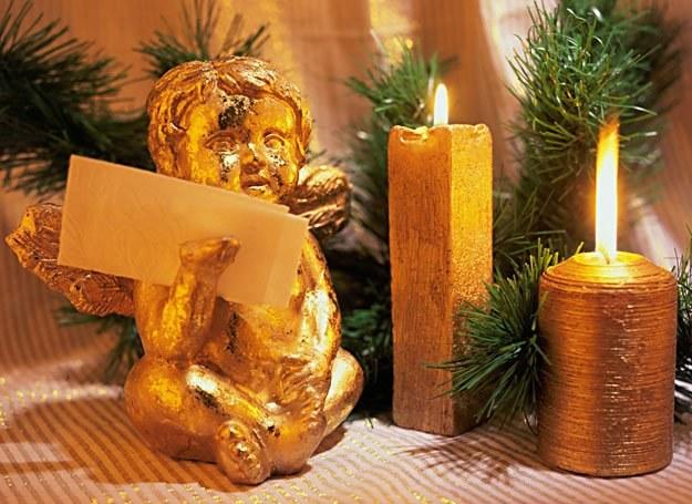 Choinka, prezenty, oryginalne potrawy i  kolędowanie