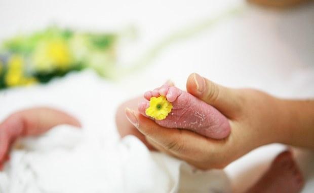 Chora na Covid-19 urodziła dziecko, będąc w śpiączce
